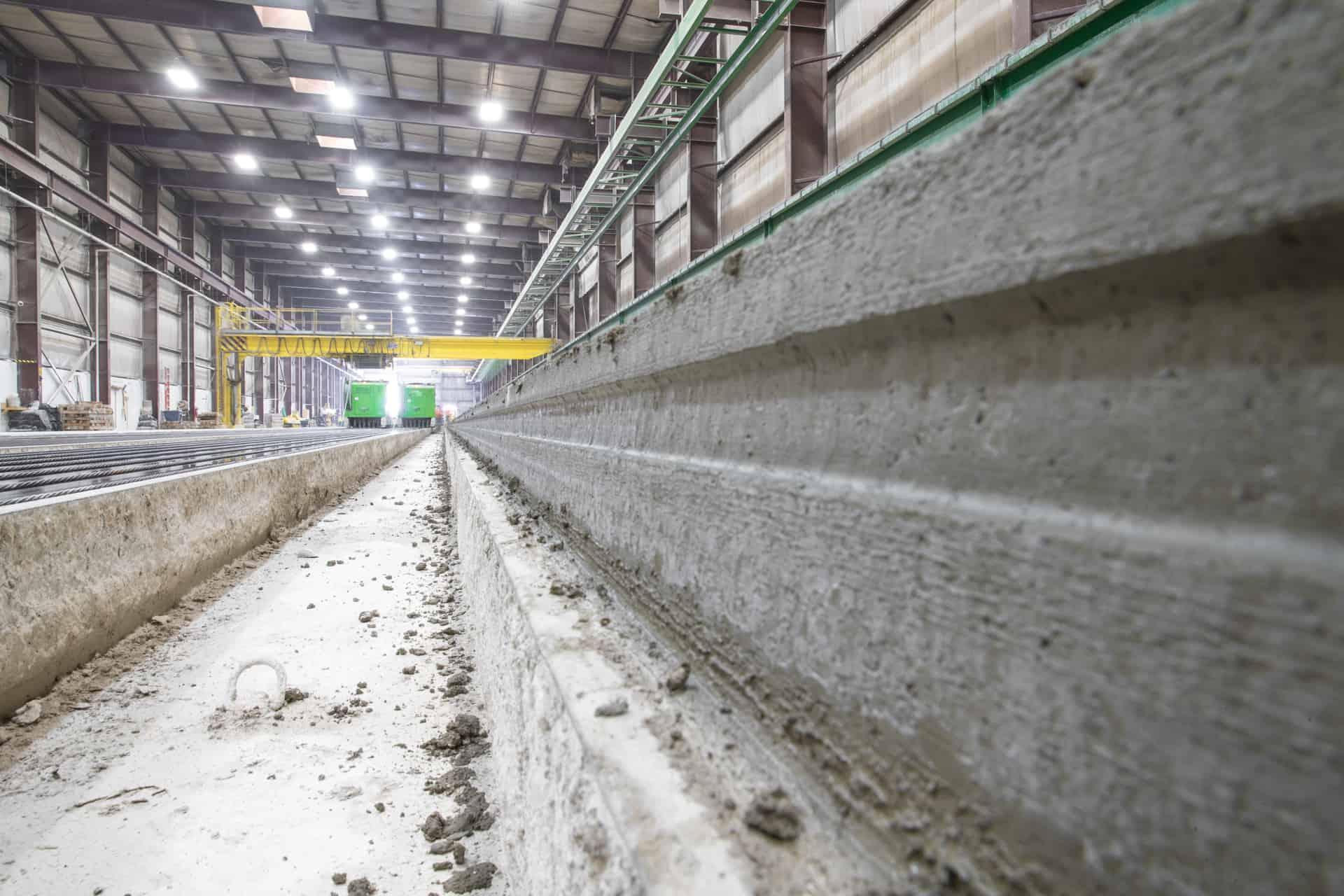 Hollow core slab production.