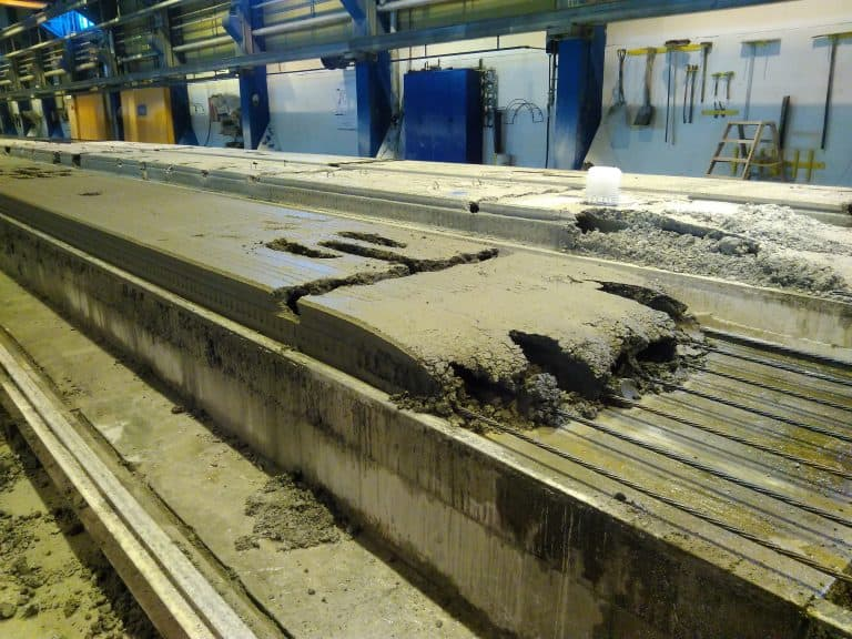 hollow core slab production without casting start plates.