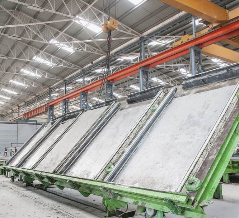 Elematic Tilting Table S5 in operation at B.G. Shirke