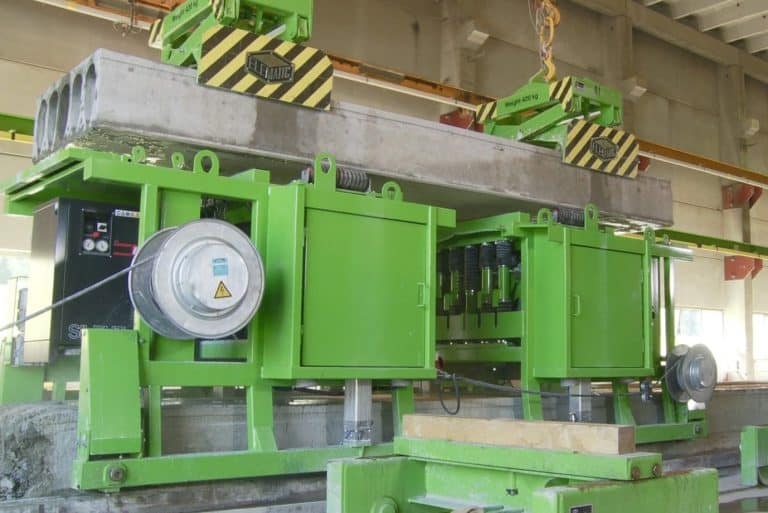 Lifting hollow core slabs for drilling, Driller E9