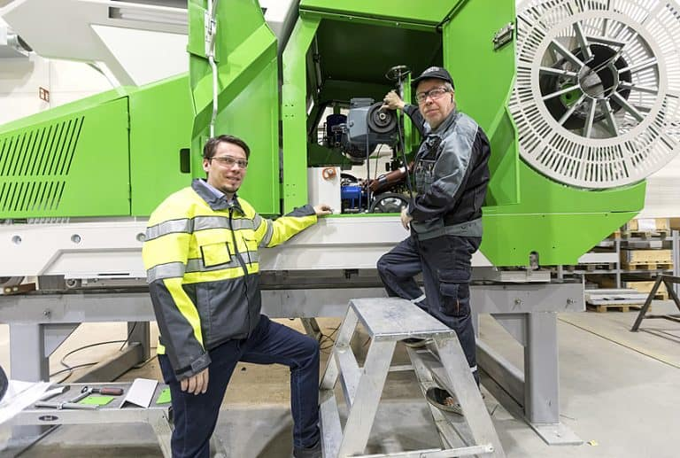Jani Eilola (pictured left) with Mechanic Timo Mäenpää