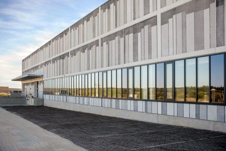 The façade of Viborg Landsarkiv, a provincial archive in Denmark, looks misleadingly three-dimensional.