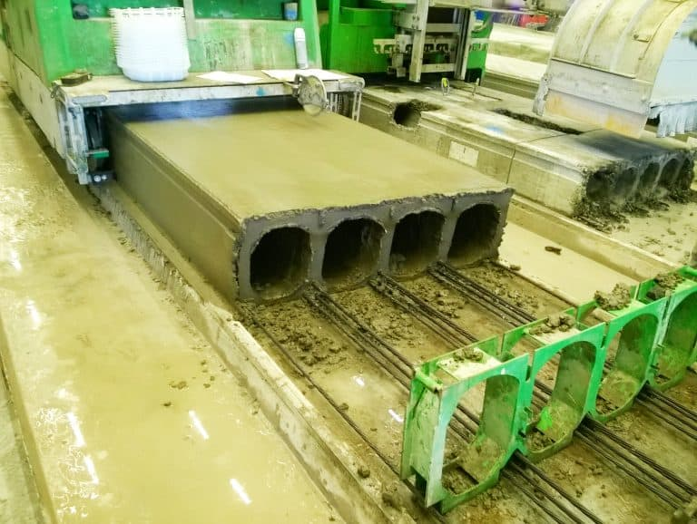 hollow core slab production with casting start plates.