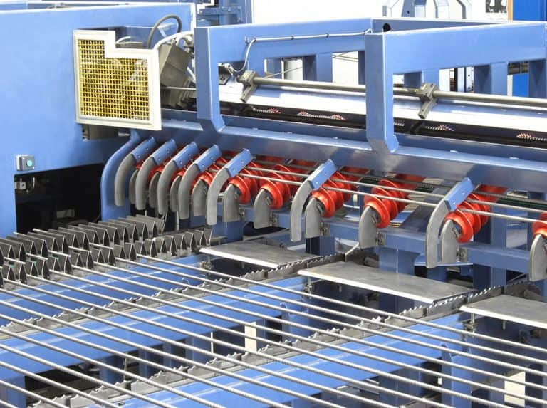 Eurobend's fully automatic mesh welding machine for the production of standard and customized mesh.